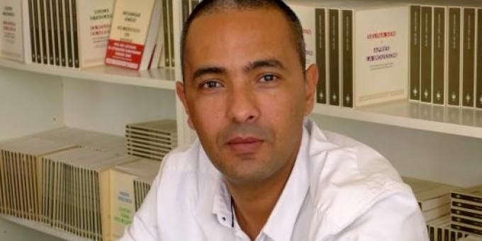Kamal daoud remporte le goncourt du premier roman for Remuneration ecrivain