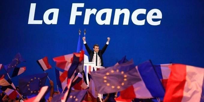 La France choisit un nouveau départ avec Macron